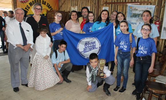 Escola de Portão leva Festival da Canção no Harmonia